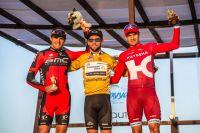 Greg Van Avermaet et Alexander Kristoff entourent Mark Cavendish