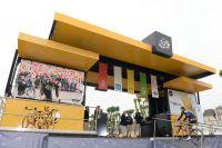 Le podium signature du Tour de France