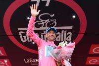 Vincenzo Nibali prend possession du maillot rose à la veille de l'arrivée finale