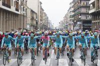 Vincenzo Nibali atteint Turin en rose