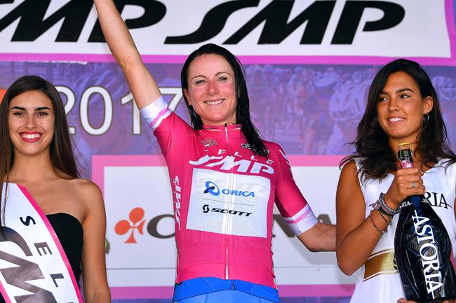 Annemiek Van Vleuten en ciclamino sur le Giro Rosa 2017