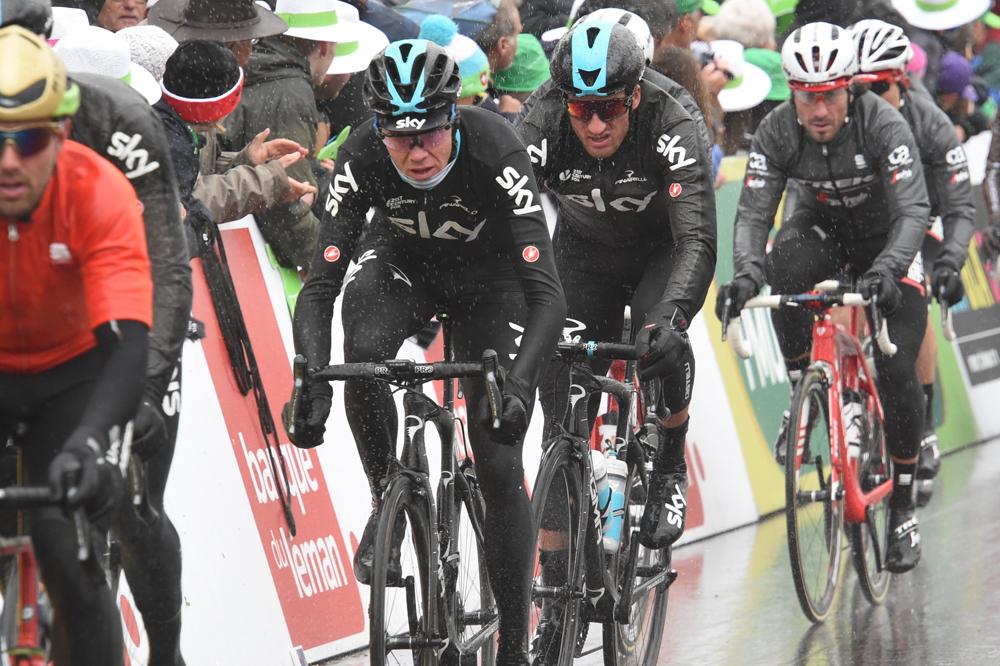 Journée galère pour Chris Froome et le peloton du Tour de Romandie