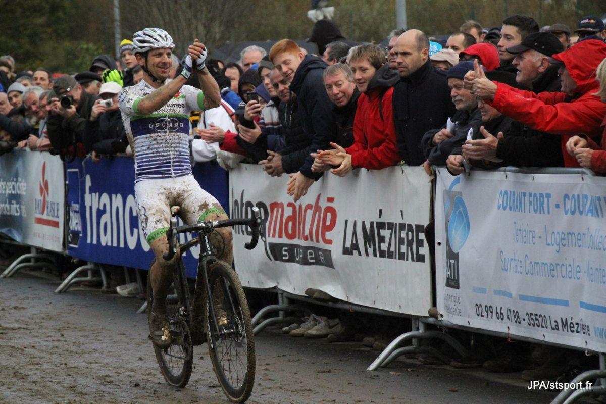 Francis Mourey vainqueur à La Mézière