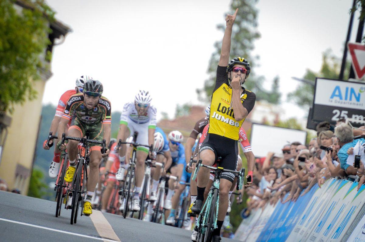Nacer Bouhanni remporte la 2e étape et prend le maillot jaune