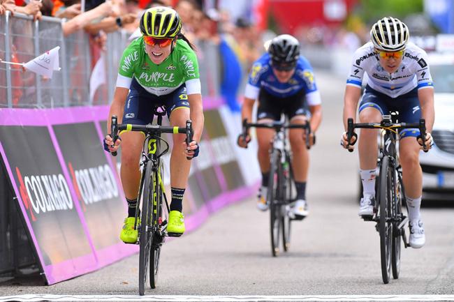 L'arrivée du Giro Rosa 2017 à Montereale