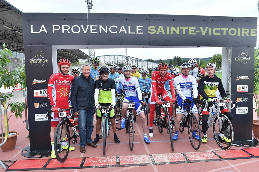 Départ de la Provençale-Sainte-Victoire au stade Georges Carcassonne