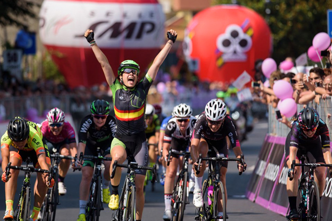Sheyla Gutierrez l'emporte sur le Giro Rosa 2017