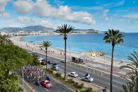Le peloton de Paris-Nice sur la Promenade des Anglais