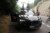 Véhicule d'assistance Maserati, y a pire et pourtant 40 journalistes, 45 kilomètres, et zéro crevaison