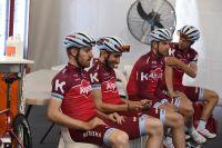 L'équipe Katusha-Alpecin s'apprête à sortir