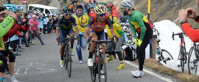 Vincenzo Nibali donne l'assaut