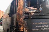 Le bus d'Aqua Blue Sport incendié