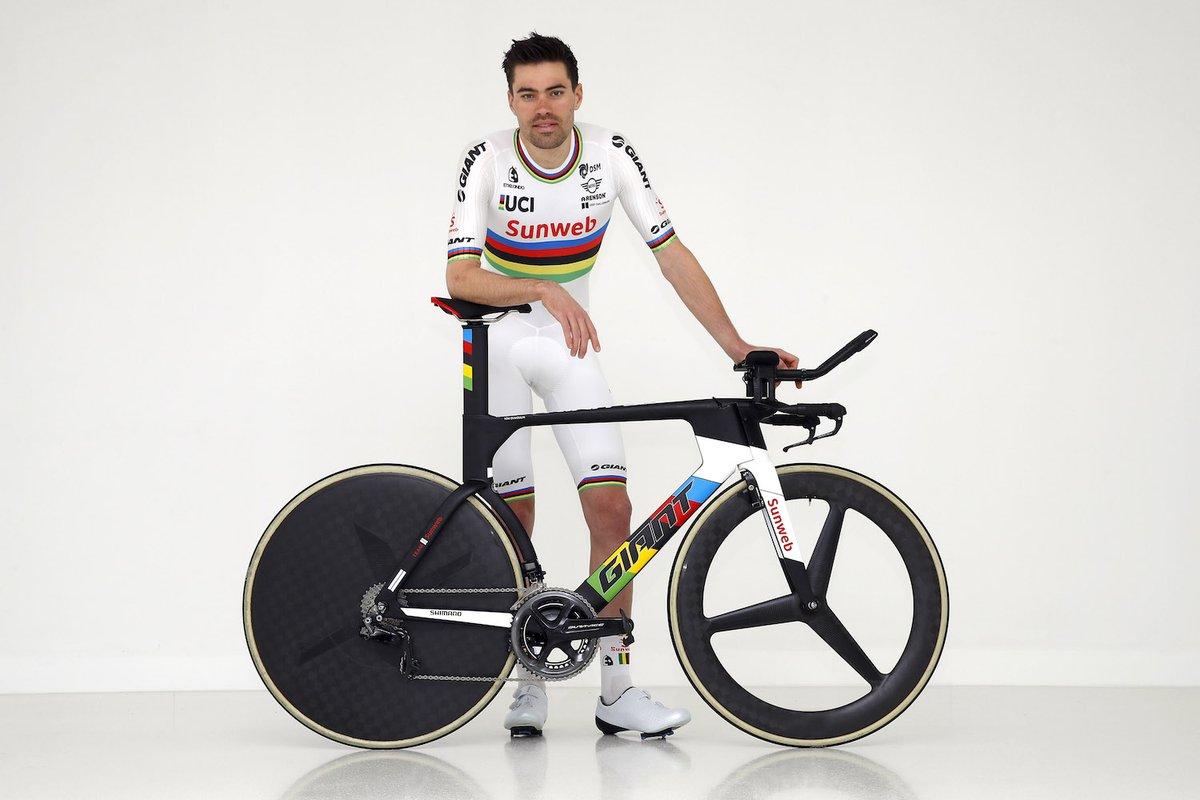 Cavendish chute et abandonne avant le départ réel — Tour d'Abu Dhabi