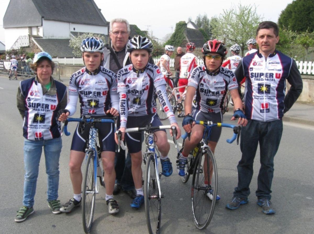 Alan Riou (sur la droite) en 2011, alors au Team Côte de Granit Rose