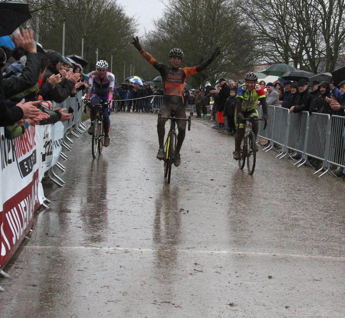 Cyclo Cross Troyes finish