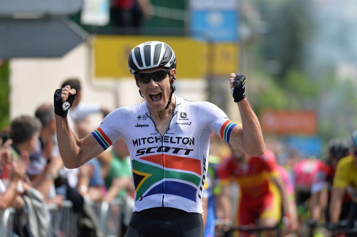 VIDÉO | Daryl Impey remporte la 1e étape, Michal Kwiatkowski reste leader