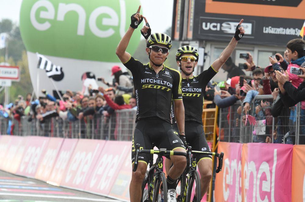Esteban Chaves Simon Yates Giro ligne d'arrivée