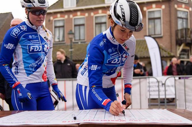 Roxane Fournier (FDJ) à la signature en 2018