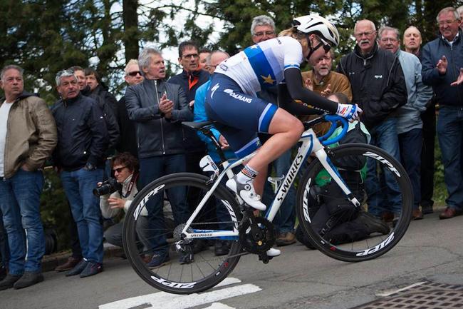 Van Der Breggen seule sur la Flèche Wallonne 2017