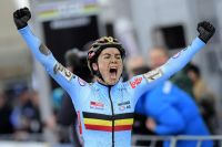 Sanne Cant confirme son leadership