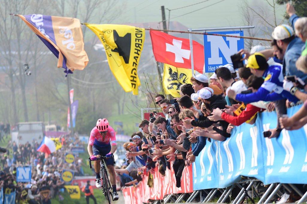 Alberto Bettiol s'offre le Tour des Flandres