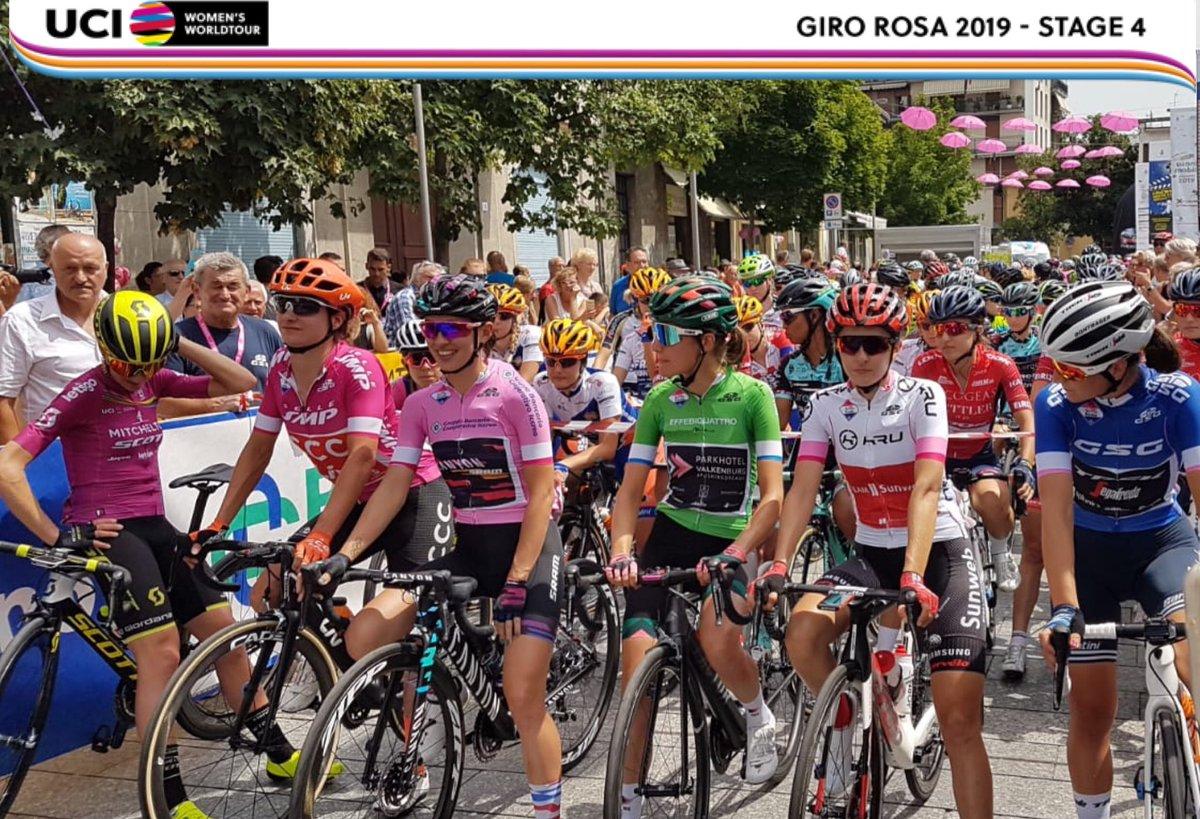 Au départ de la 4ème étape du Giro Rosa