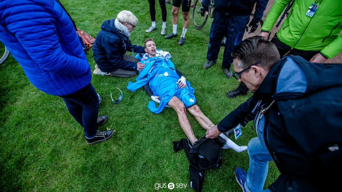 Axel Laurance à l'arrivée de Paris-Roubaix Junior