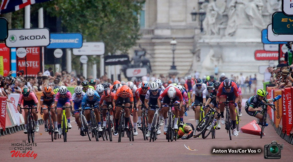 Chute dans le sprint final de Ride London
