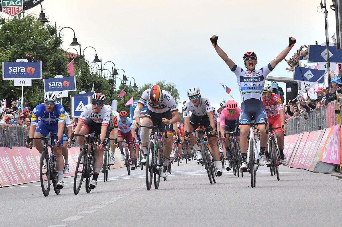 Damiano Cima résiste aux sprinteurs