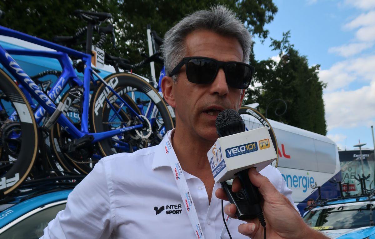 Dominique Arnoux au micro de Vélo 101