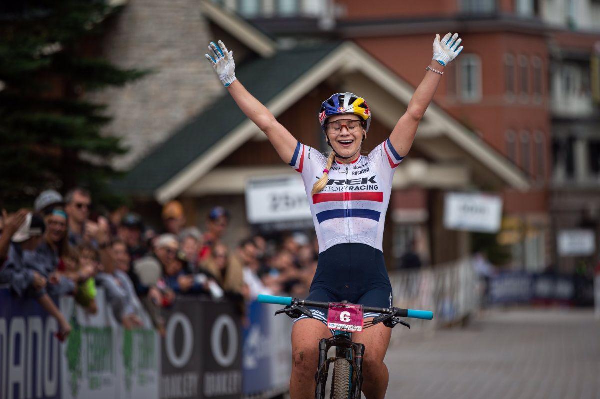 Evie Richards remporte sa première Coupe du Monde de la saison