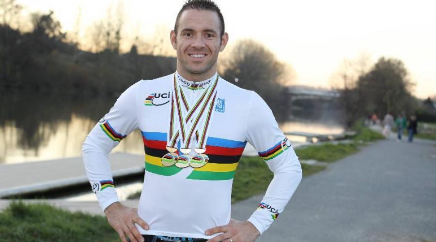 François Pervis et ses médailles d'or mondiales