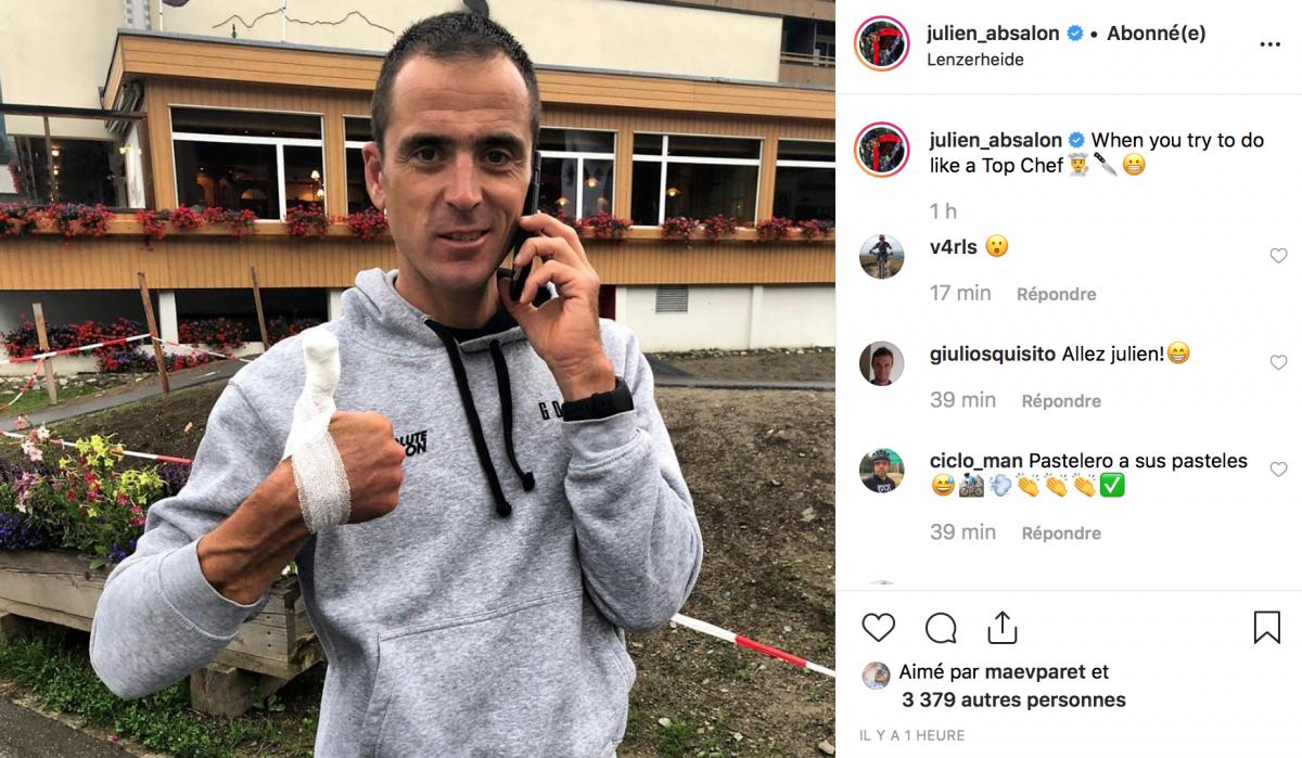 Julien Absalon se coupe en cuisinant