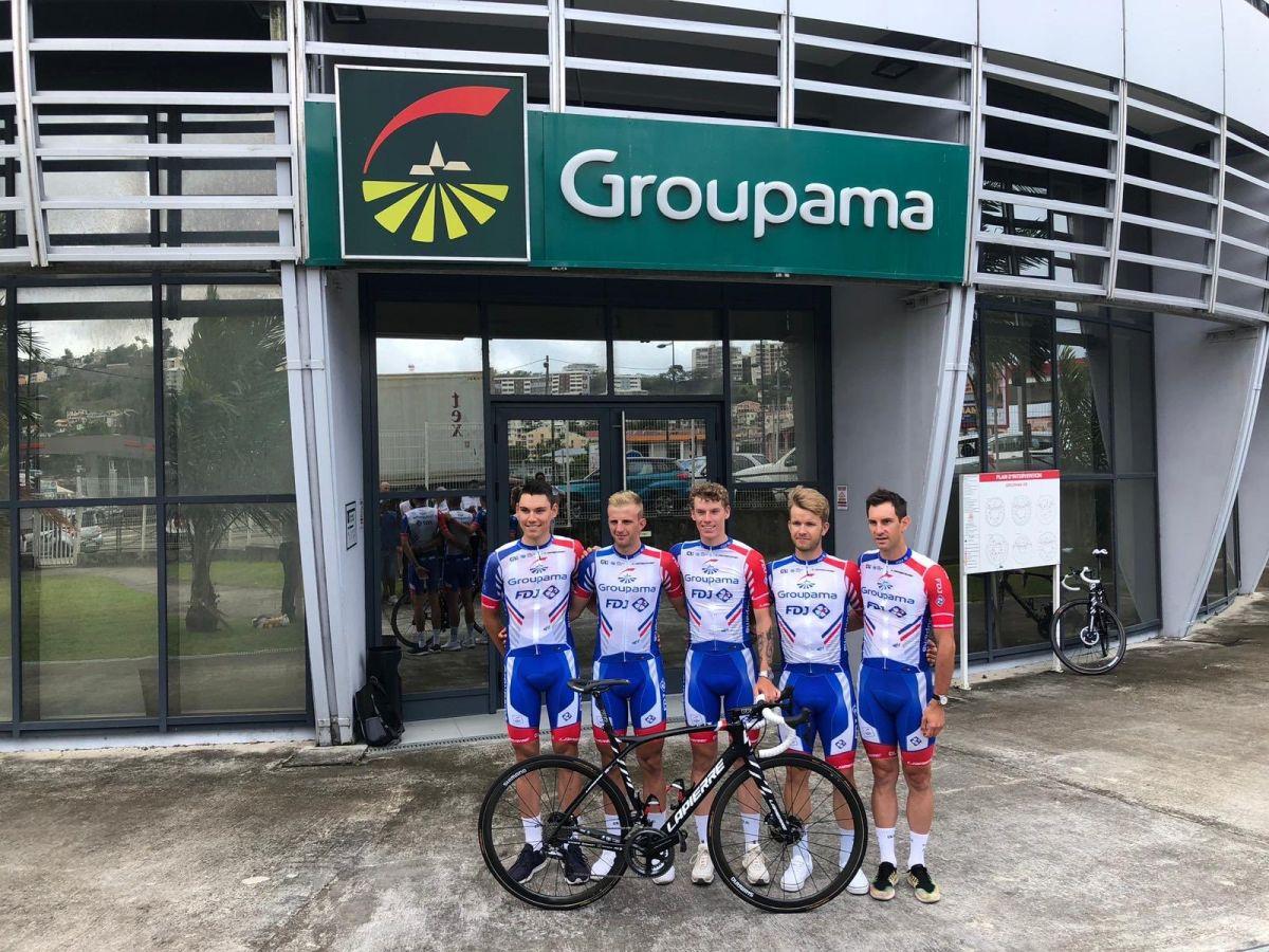 L'équipe de la Continentale Groupama FDJ alignée sur le Tour de Martinique