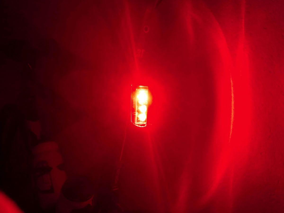 La fonction feu stop en action de nuit