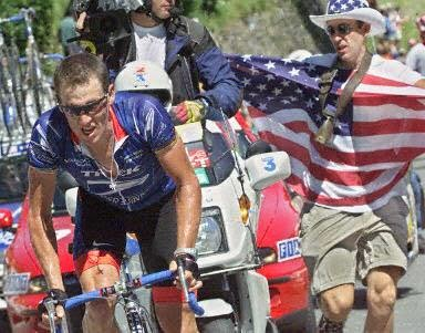 Lance Armstrong durant l'ascension du Pla d'Adet en 2001