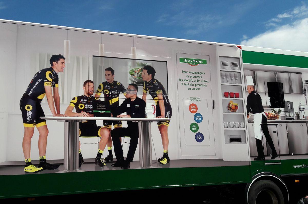le camion restaurant de l'équipe Total Direct Energie