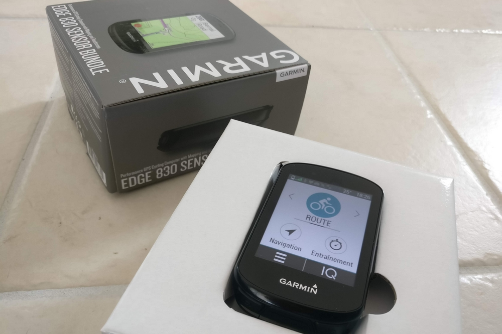 Le Garmin Edge 830 er son packaging soigné