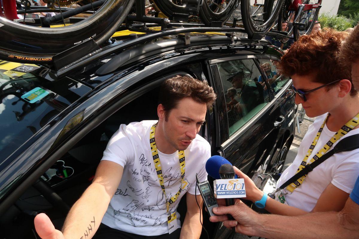 Nicolas Portal au micro de Vélo101