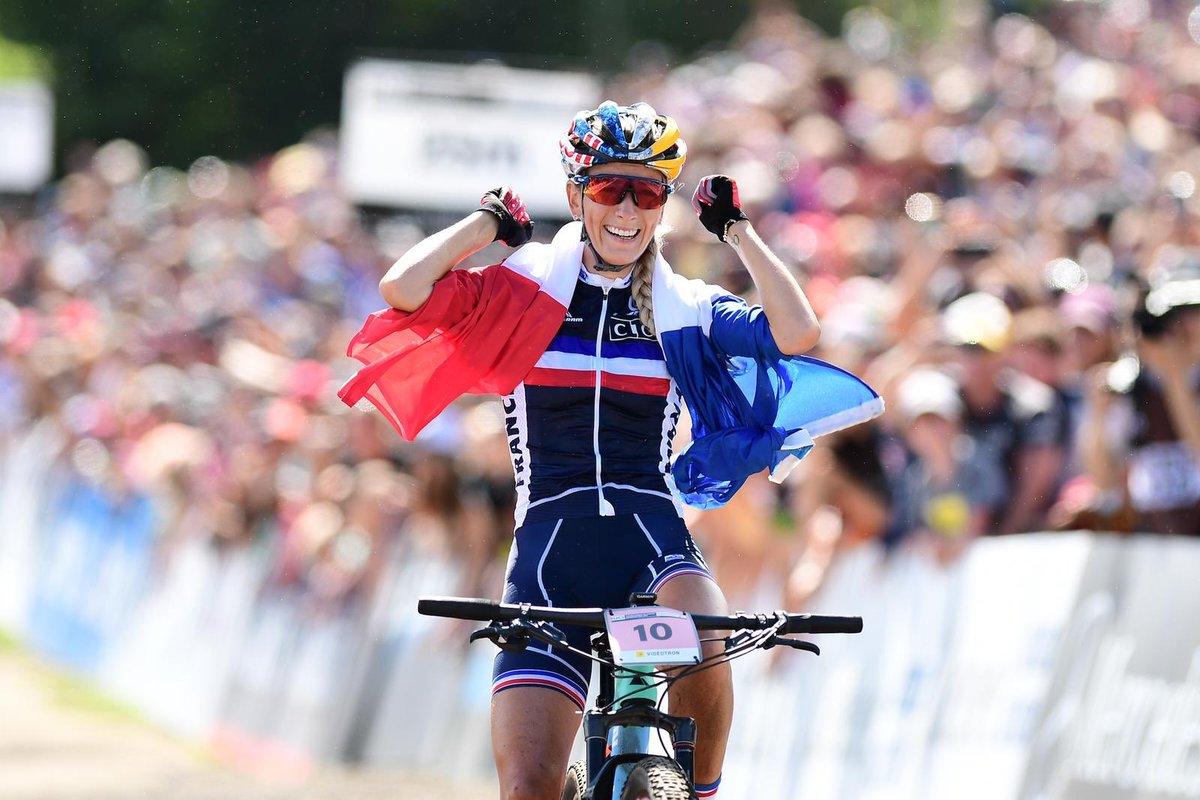 Pauline Ferrand-Prévot a renoué avec la maillot arc-en-ciel lors des mondiaux de VTT 2019 au Mont Sainte-Anne
