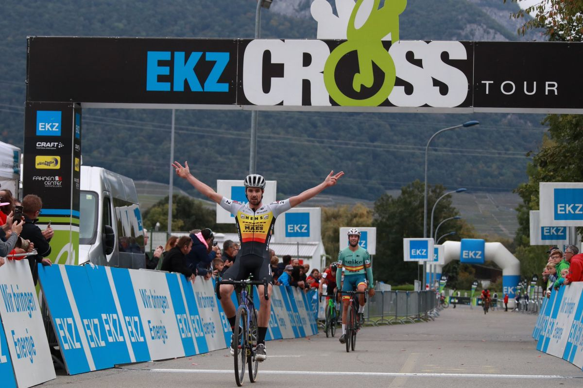 Vincent Baestaens remporte la première manche de l'EKZ CrossTour