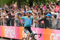 Dario Cataldo vainqueur, mauvaise journée pour Roglic