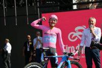 Chad Haga se surprend, Carapaz s'offre le Giro