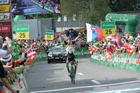 Tour de Suisse : La première de Tolhoek, Bernal leader