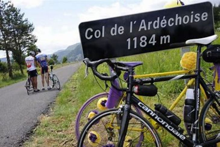 Ardéchoise: milliers de coureurs et bénévoles au Top 7