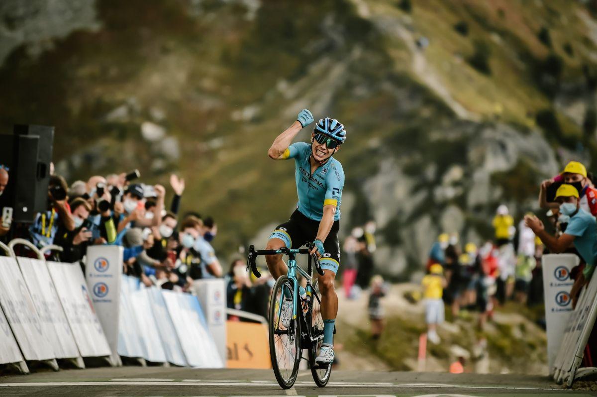 Miguel Angel Lopez vainqueur au sommet du col de la Loze