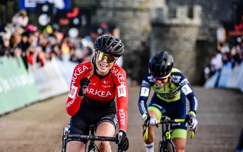 Léa Curinier fait déjà briller le maillot d'Arkéa Pro Cycling Team en CX