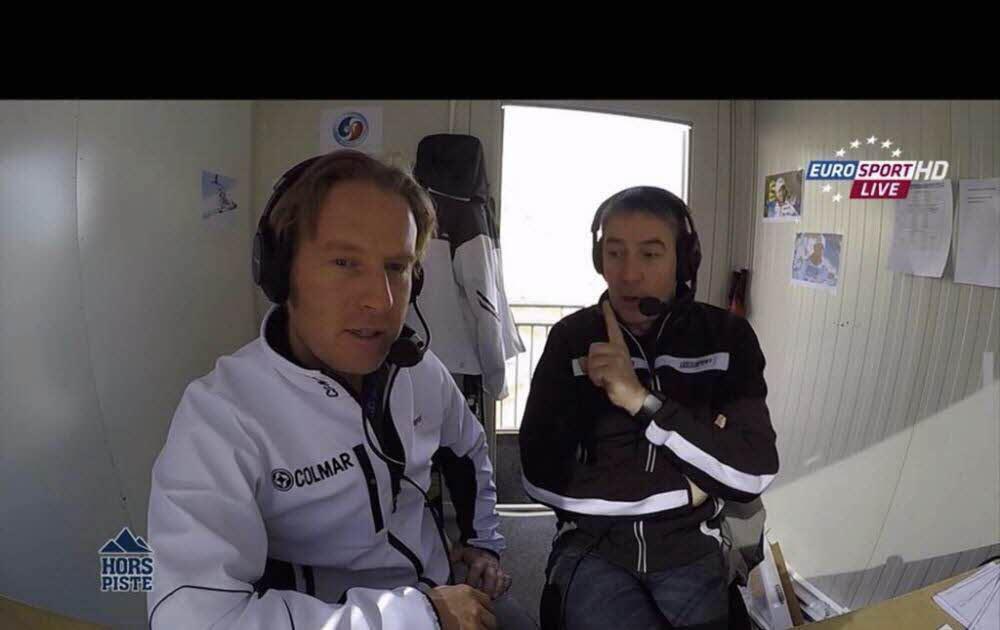 Alexandre Pasteur et Jean-Pierre Vidal dans la cabine de commentaires de sports d'hiver d'Eurosport