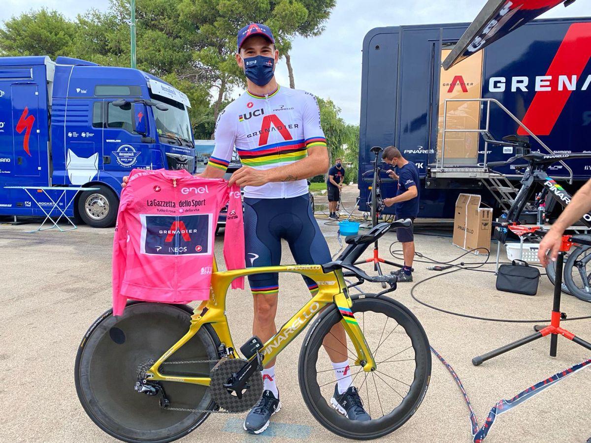 Filippo Ganna avec son beau vélo