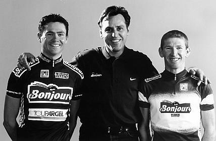Jean-René Bernaudeau en 2000, aux côtés de Jean-Cyril Robin et François Simon